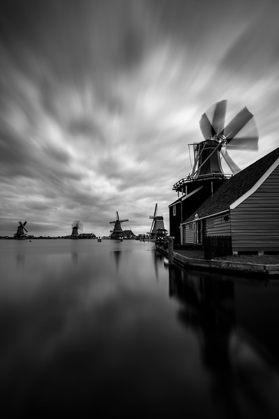 zaanse schans windmills district holland netherlands motion.jpg