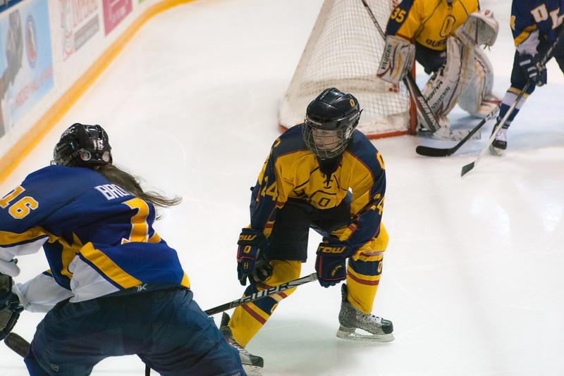 20130310 QWHockeyvsUBC 255.jpg