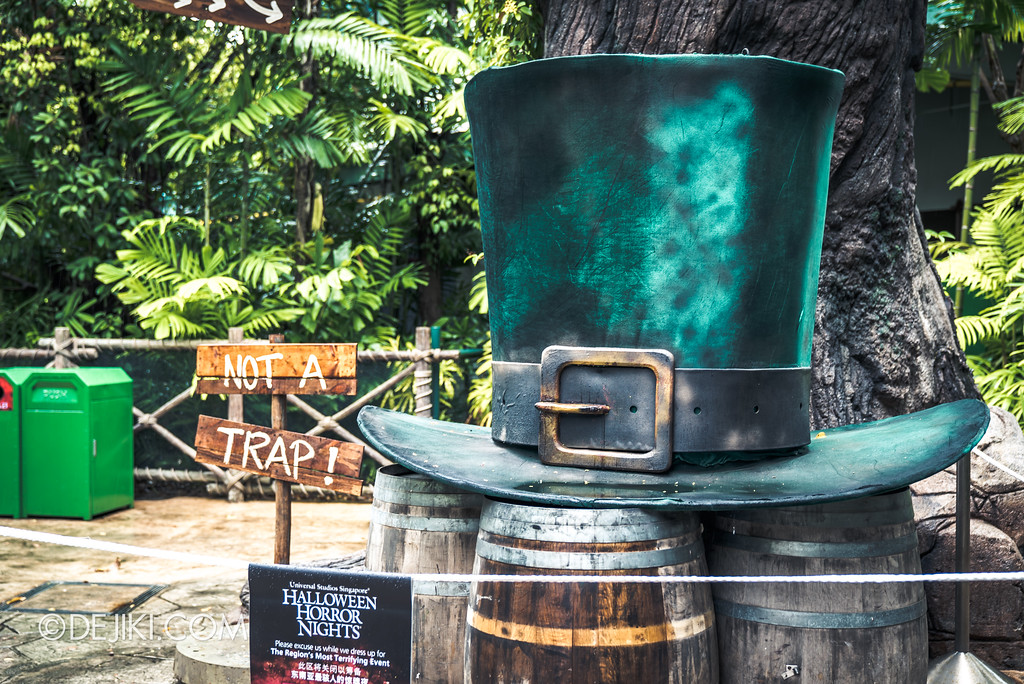 Halloween Horror Nights 7 Preview Construction Update Before Dark 3 - Happy Horror Days scare zone / St Patrick's Day