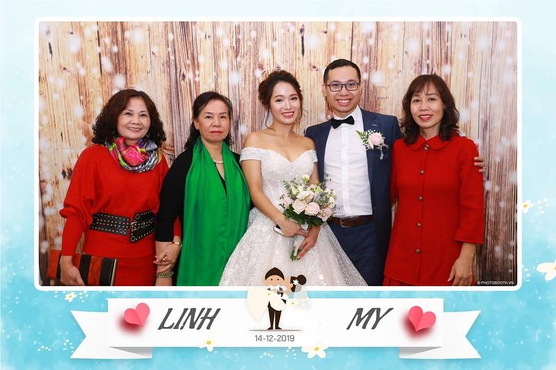 Linh-My-wedding-instant-print-photo-booth-in-Ha-Noi-Chup-anh-in-hnh-lay-ngay-Tiec-cuoi-tai-Ha-noi-WefieBox-photobooth-hanoi-23.jpg