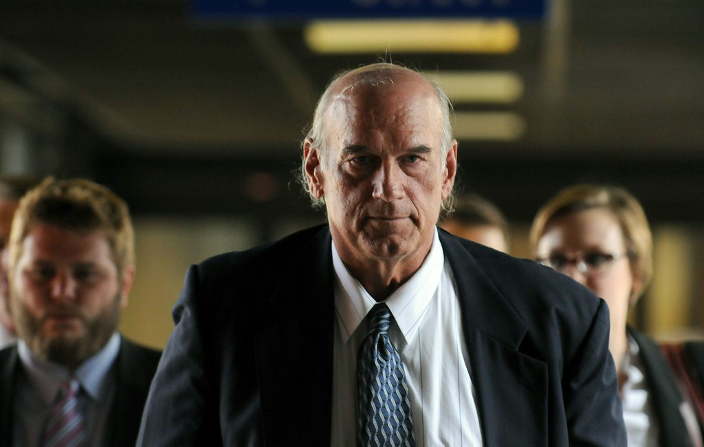 ". <p><b> A jury in Saint Paul �shocked the world� on Tuesday when they determined that former Gov. Jesse Ventura was � </b> </p><p> A. Defamed </p><p> B. Defrauded </p><p> C. Demented </p><p><b><a href=""http://www.twincities.com/localnews/ci_26230293/ventura-trial-jury-says-its-hung-judge-says\"" target=\""_blank\"">LINK</a></b> </p><p>    (Pioneer Press: Scott Takushi)</p>"