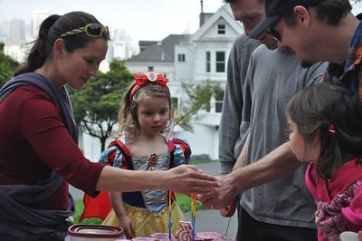 Emily Visit - Nora Birthday - Nora School