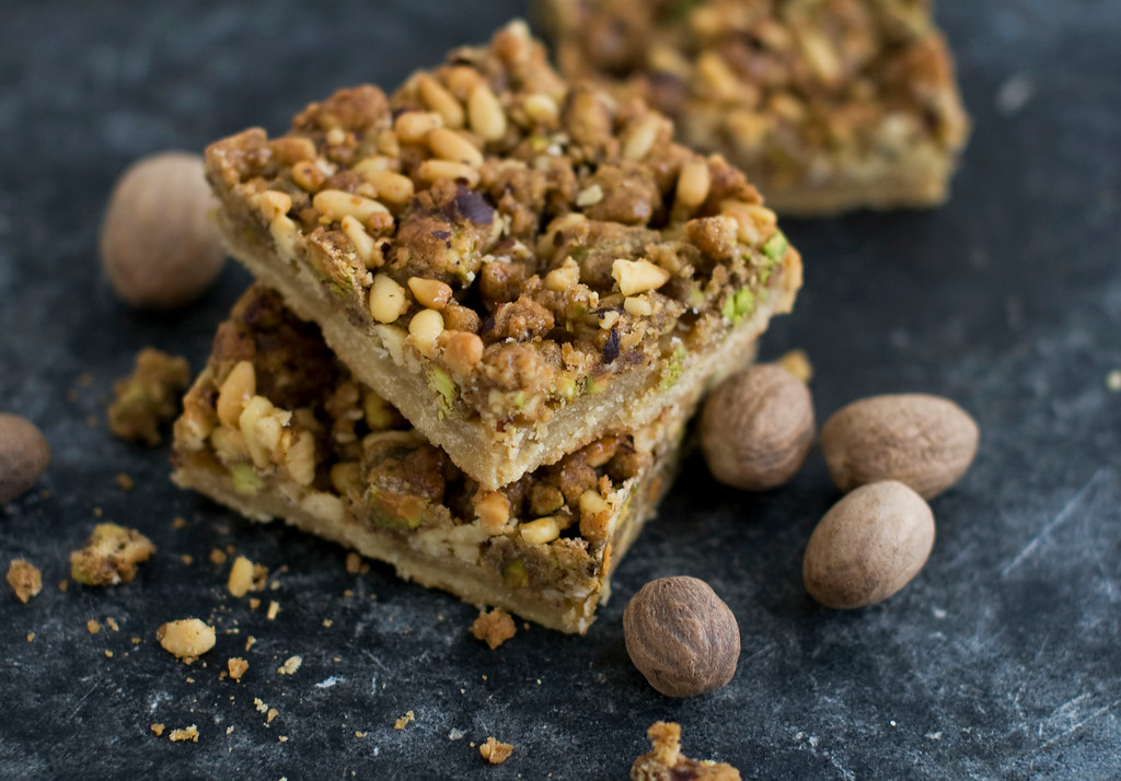 ". <a href=""https://www.yahoo.com/news/heartier-version-baklava-spiked-nutmeg-134429825.html?ref=gs\"">Get the recipe for nutmeg nut bars</a>. (AP Photo/Matthew Mead)"