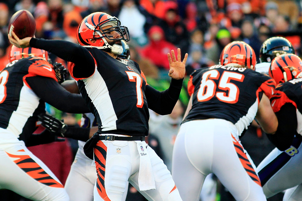 Description of . Cincinnati Bengals quarterback Bruce Gradkowski (7) passes against the Baltimore Ravens in the second half of an NFL football game, Sunday, Dec. 30, 2012, in Cincinnati. The Bengals won 23-17. (AP Photo/Tom Uhlman)