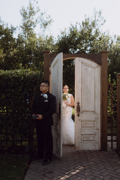 Kaitlin_and_Linden_Wedding_Pre_Ceremony-34.jpg