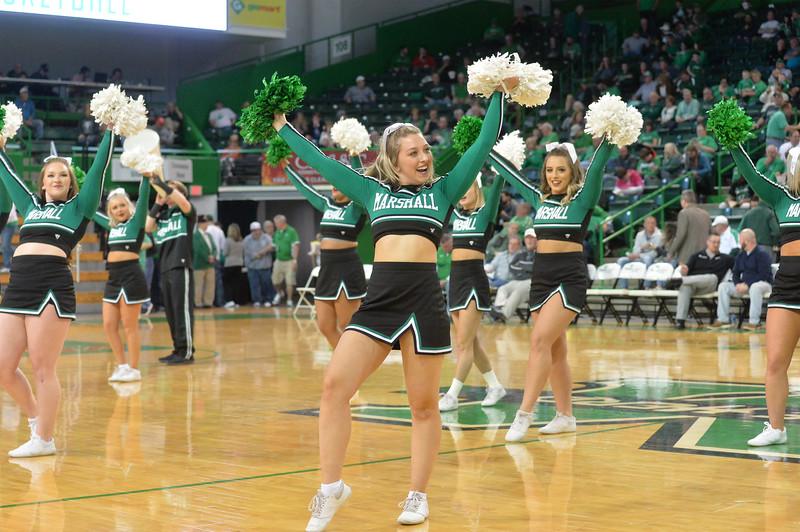cheerleaders2480.jpg