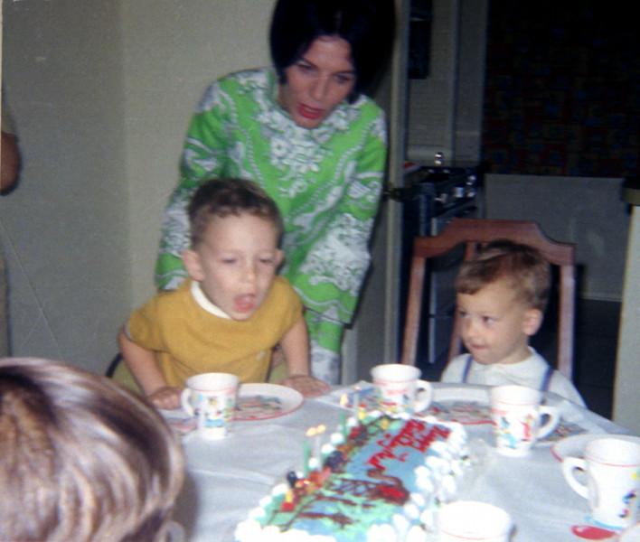 4-a-neals-4th-bd-cake.jpg