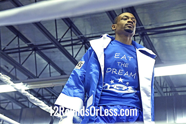 Bout 4: Semi-Pro Boxing, Devon Whitson, Blue /White Gloves vs Richie Loew, Red /White Gloves