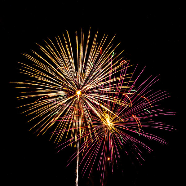 fireworks1 no blur.jpg