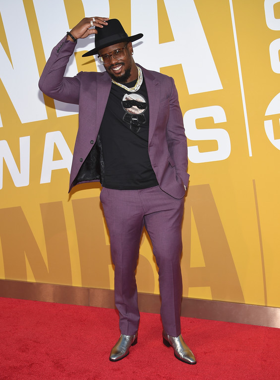 . NFL player Von Miller, of the Denver Broncos, arrives at the NBA Awards at Basketball City at Pier 36 on Monday, June 26, 2017, in New York. (Photo by Evan Agostini/Invision/AP)