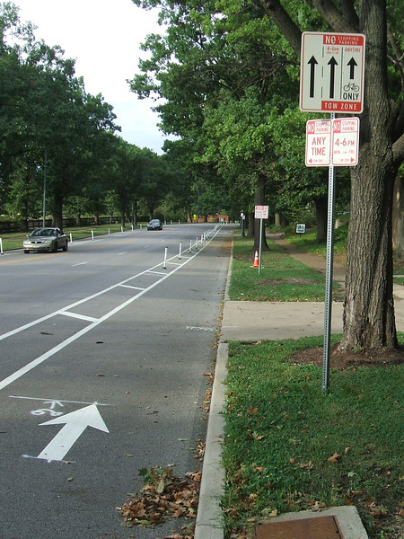 Central-Parkway-Cycle-Track-18.jpg