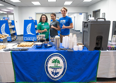 050318 Coffee & Bagels at Mary & Jeff Bell Library