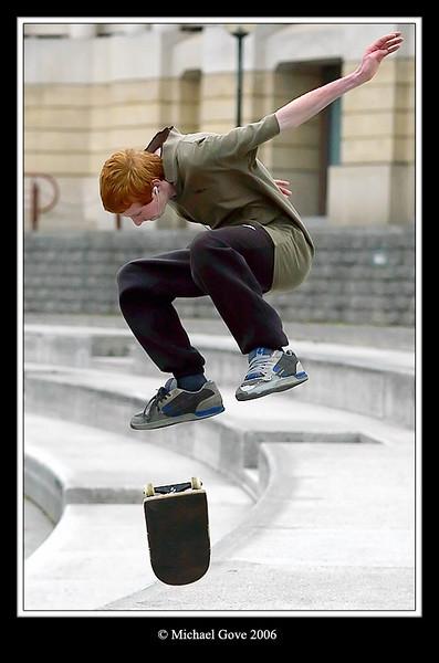 Flying skateboarder (68550744).jpg
