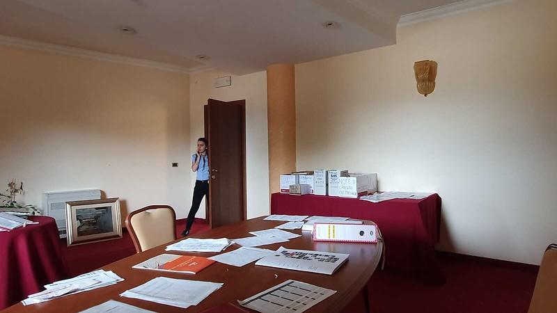 013 -  ROMA DOMUS HOTEL - MEETING ROOM - SMALL.jpg