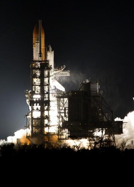 shuttle-endeavour-liftoff.jpg