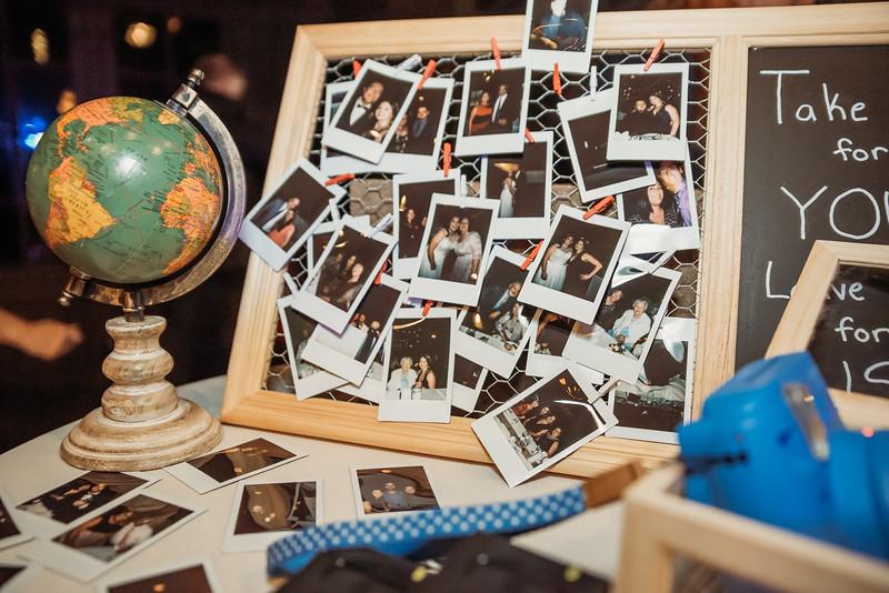 DIY wedding photo booth