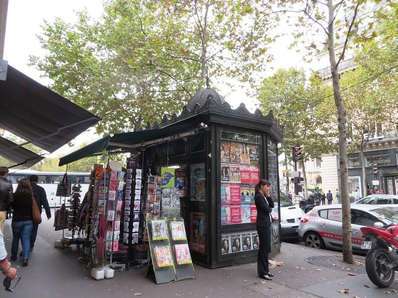 IMG_1238-Paris-Blvd-Haussman-s.JPG