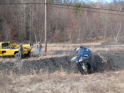 Overturned Jeep, SR209, Pottsville Stretch, Tuscarora (2-5-2012)