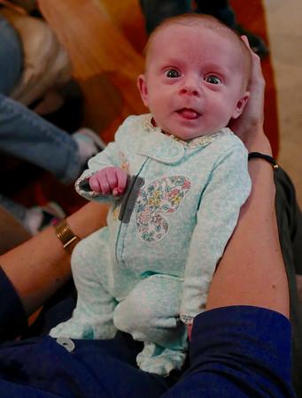 Isabel & Ariella-0ne month old-11/17/16