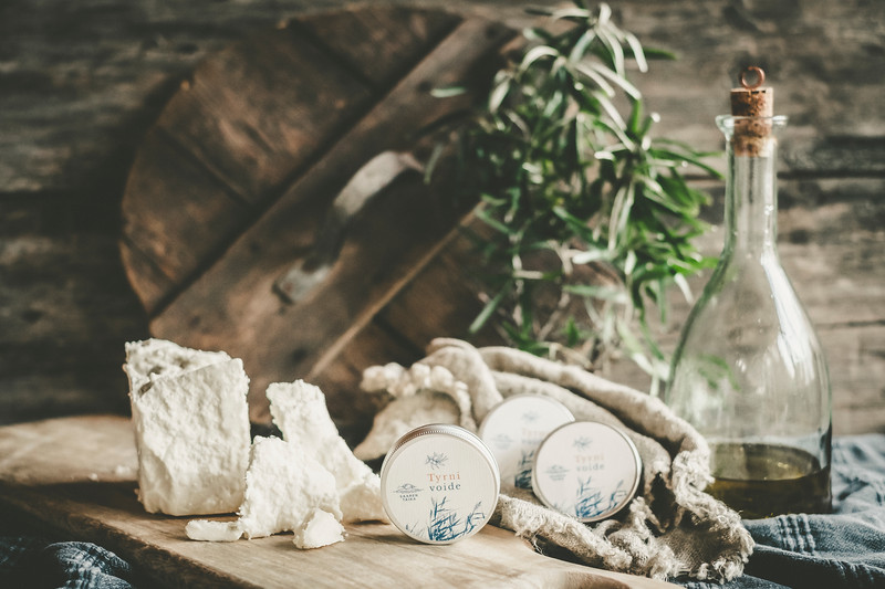 Raw shea butter tyrnivoide tyrnideodorantti tyrniuute Saaren Taika (3 of 9).jpg