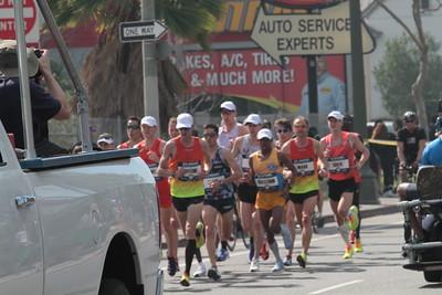 Men at 13 mile mark