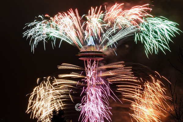 Space Needle New Year's Fireworks 2017