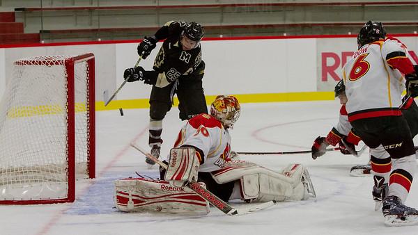 2015_10_30_CIS_Mens_Hockey_UofC_vs_UofM