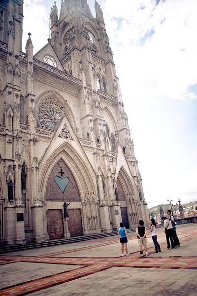 sight-seeing-tour-in-quito-with-mom-and-ry_4902708087_o.jpg