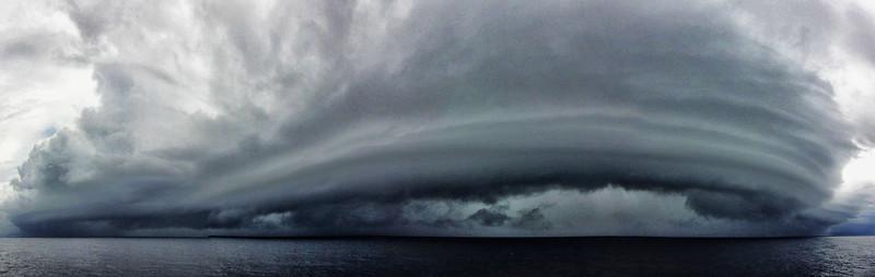 Aufziehender Sturm in der Karibik   Approaching storm in the Caribbean Sea