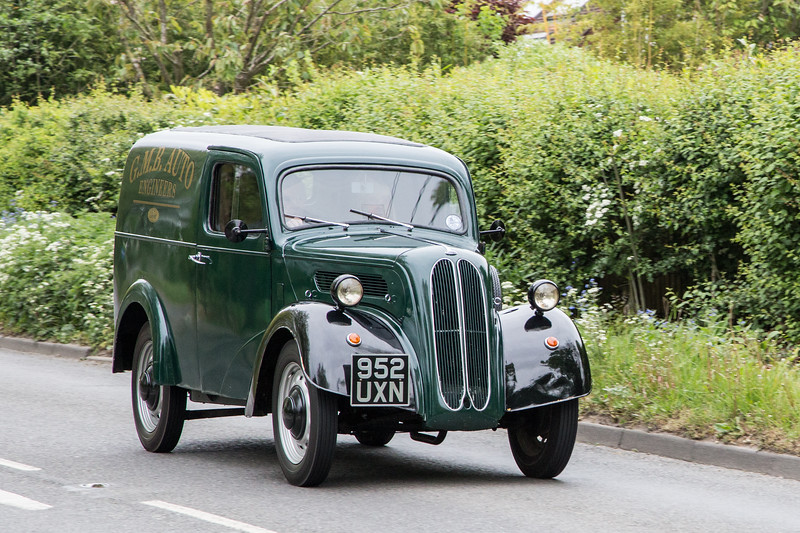 952UXN 1951 Ford E494C 5cwt