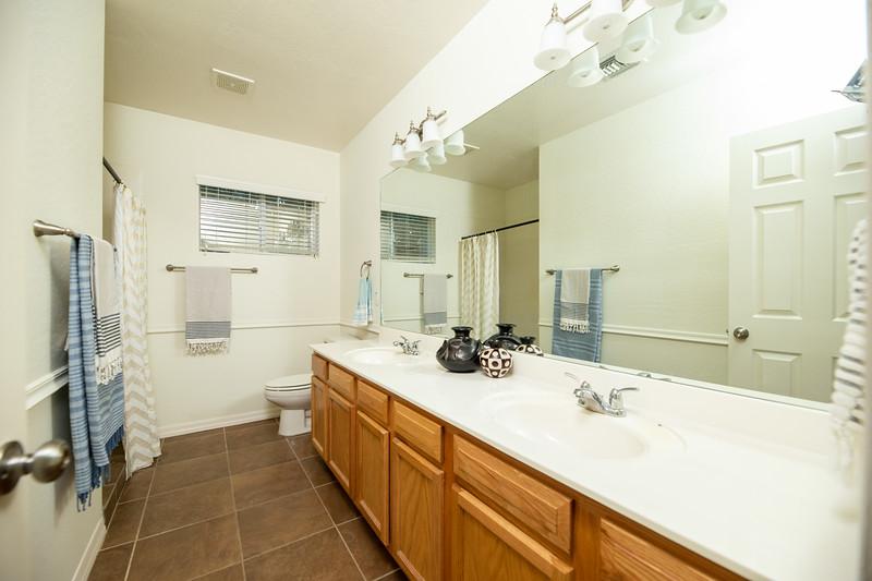 20190507-bathroom 2.jpg