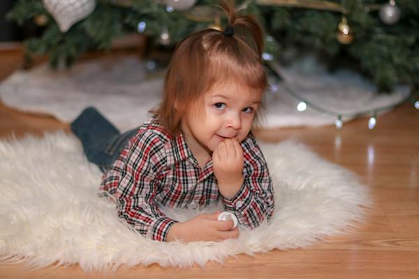 Gonzalez Kids Christmas Mini