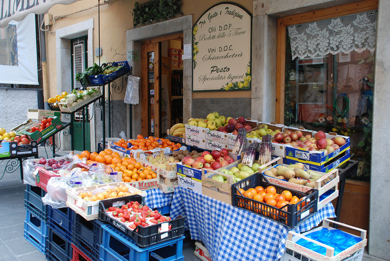 Market in Monterosso