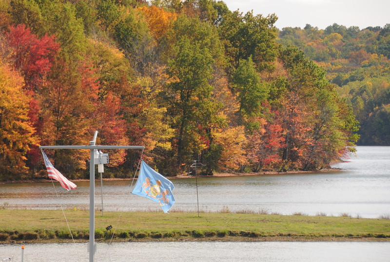 fall colors at Moraine state park marina