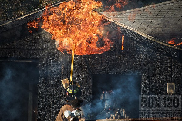 Structure Fire - 1100 Halliday Ave SATX 11/27/17