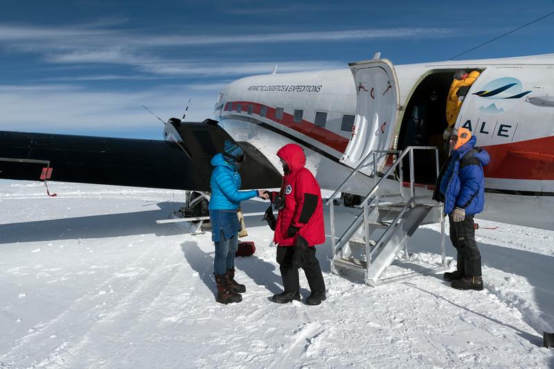 South Pole -1-4-18074956.jpg