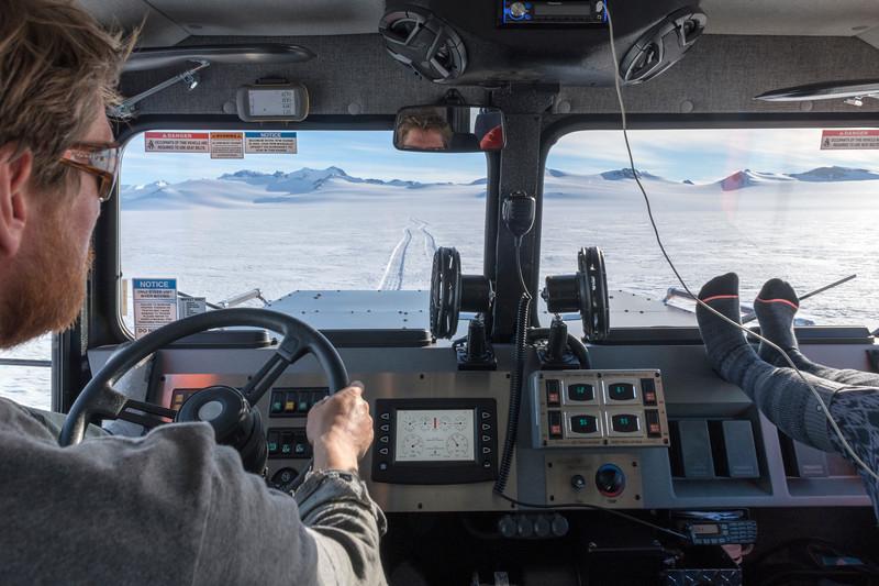 Climb Antarctica Women -1-11-18100920.jpg