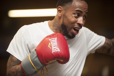 tyler-boxer-kenneth-taylor-wins-pro-debut-with-ko