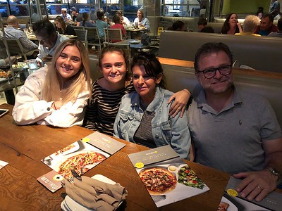 Penny and the Family - Dinner at Hama Sushi