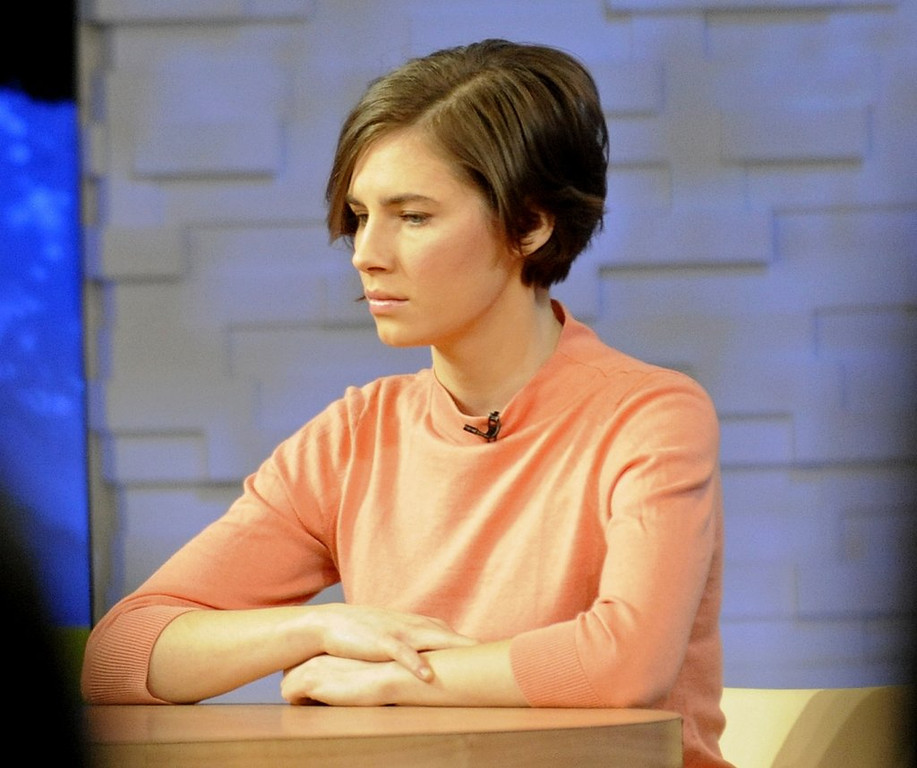 ". <p>9. AMANDA KNOX  <p>Her murder case has had so many ups and downs, you almost forget the victim ... (unranked) <p><b><a href=\'http://www.twincities.com/news/ci_25025139/knox-defense-has-final-word-before-deliberations\' target=""_blank\""> HUH?</a></b> <p>   (AP Photo/ Louis Lanzano)"