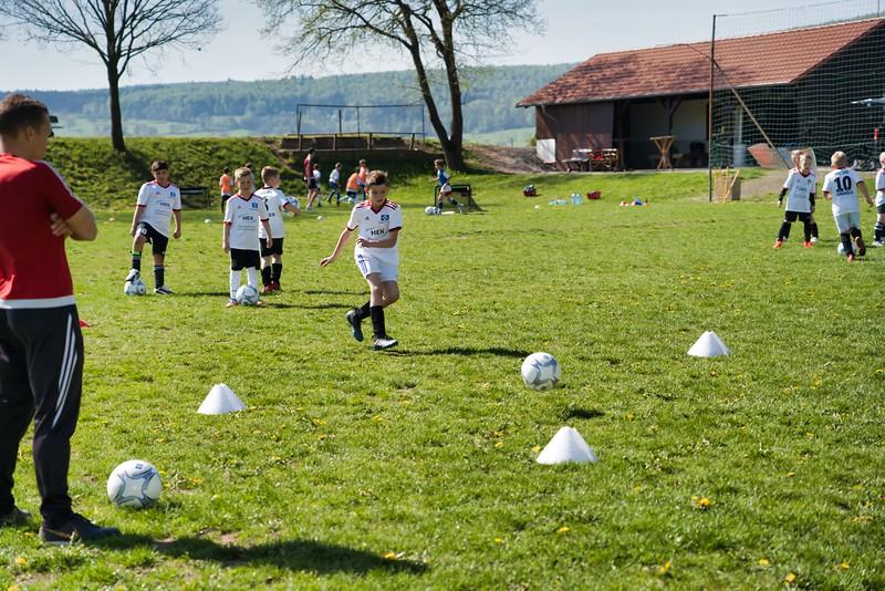 hsv-fussballschule---wochendendcamp-hannm-am-22-und-23042019-w-52_40764456423_o.jpg