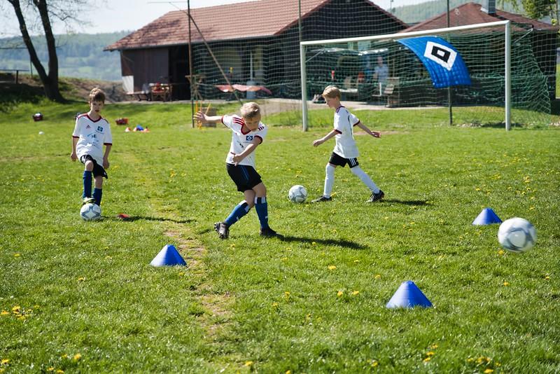 hsv-fussballschule---wochendendcamp-hannm-am-22-und-23042019-y-56_46814448255_o.jpg