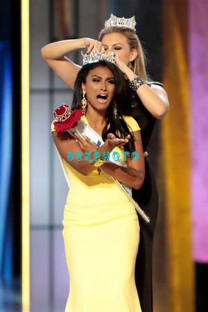 MISS AMERICA  CROWNING PHOTOS