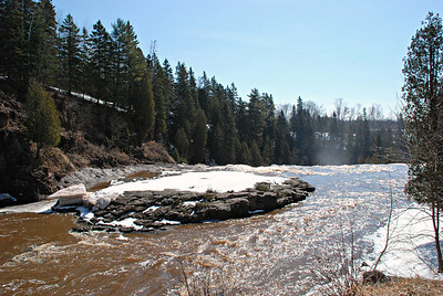 2014 04 20:  Gooseberry Falls, MN