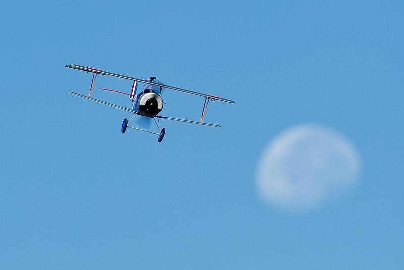 Electrifly_Nieuport17_Moon_50.jpg