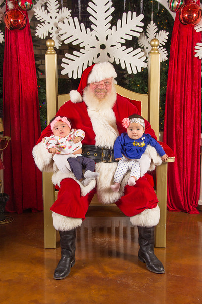 Santa 12-16-17-74.jpg