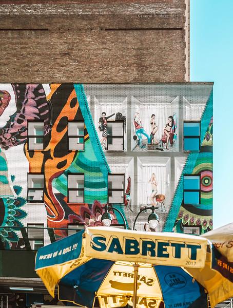 Risque mural.jpg