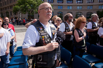 Navy Memorial - Rolling Thunder XXIV Members Wreath Presentation
