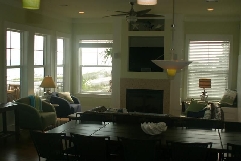 2nd floor dining room & lr