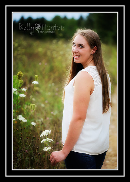 Lacey Senior 2016 063_edited-2.jpg